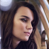 Free online flash games - Samantha Barks Jigsaw game - WowEscape
